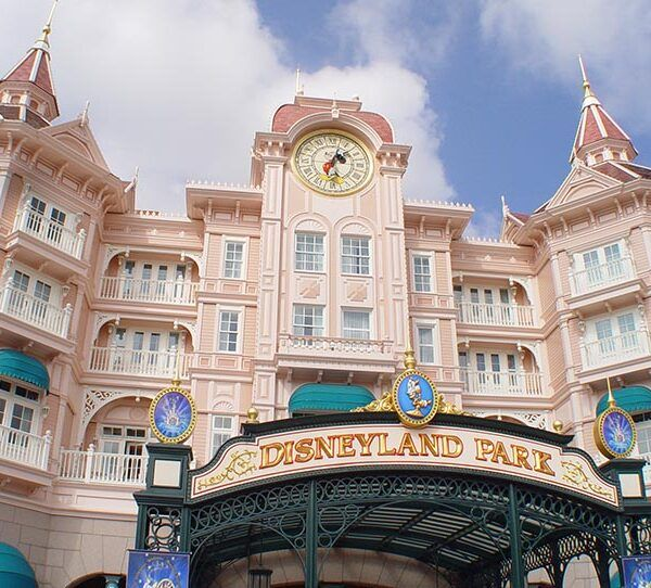 Disneyland Paris Park – Main Street and Fantasyland